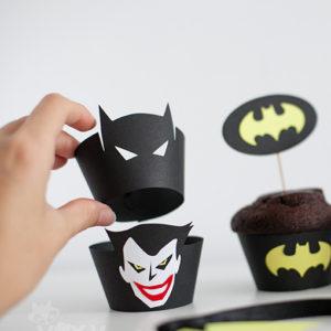 <!--:ro-->001_suport_cupcake_batman5<!--:-->