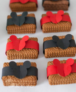 008_Mickey_inel_biscuiti