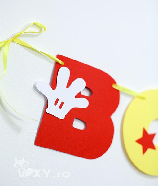 ghirlanda personalizata Mickey Mouse, ghirlanda bebelus tematica, nume personalizat Mickey, produse petrecere tema Mickey Mouse