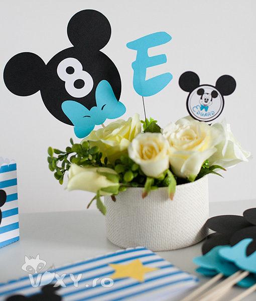 numar masa Mickey, litera Mickey, candy bar tema Mickey, Mickey Mouse, petreceri tematice, papetarie personalizata, papetarie petreceri, vixy.ro, litere personalizate Mickey, Minnie