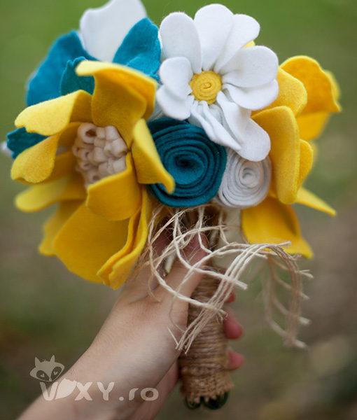 buchet mireasa realizat manual, buchet de mireasa handmade, buchet de mireasa din fetru, buchet mireasa personalizat, buchet flori din fetru, vixy.ro, buchet domnisoare de onoare