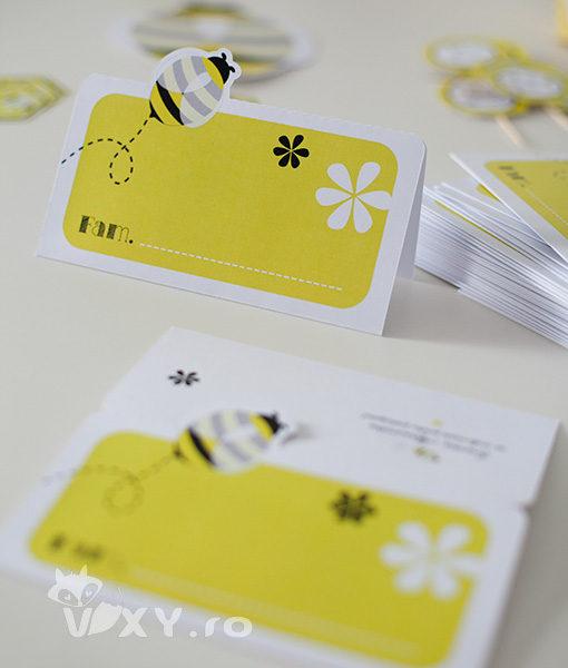 plic pentru dar albinuta, botez fetite, botez personalizat albinute, plic pentru bani albinute, vixy.ro, plic bani personalizat, botez tematic, botez special albinuta, papetarie personalizata botez, botez albinute