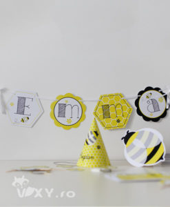 ghirlanda personalizata albinuta, ghirlanda petrecere tematica, ghirlanda pesonalizata, banner nume bebe, banner botez fetite, botez tematic albinuță, botez deosebit, vixy.ro, papetarie personalizata botez, botez albinuță, albinute botez