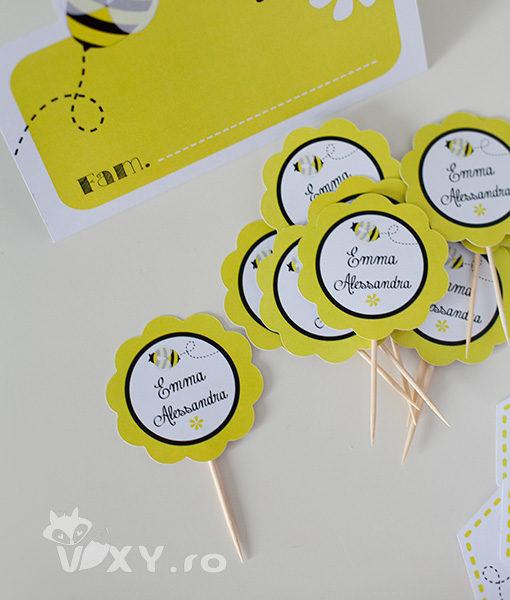 papetarie personalizata candy bar, tema albinute, stegulete personalizata albinuta, etichete albinuță, stegulete albinuțe, vixy.ro, tema botez albinuțe, tema albinuță, petrecere personalizată albinuță, candy bar albinuta