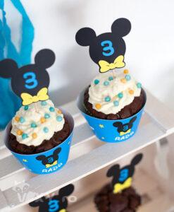 petreceri tematice, petreceri personalizate, petrecere Mickey, Mickey Mouse, petrecere Mickey mouse, vixy.ro, petrecere fete, petreceri baieti, petrecere mickey bleu, mickey albastru, mickey mouse bleu, mickey mouse albastru, albastru si galben, pachet petrecere mickey, petrecere tematica, petreceri tematice, petreceri tematice Minnie si Mickey, Mikey, cupcake Mickey, briose mickey, coifuri personalizate, papetarie petrecere personalizata, papetarie mickey